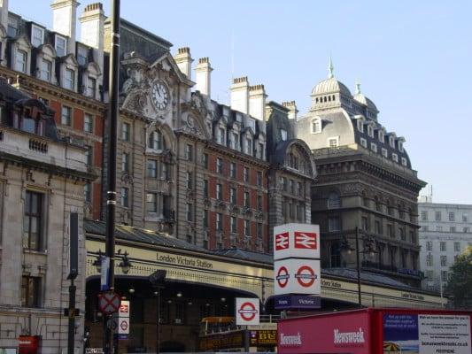 London_Victoria_Station_