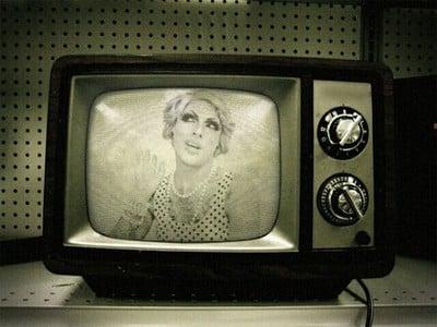 czarno-biały-telewizor