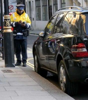 Mandat Za Złe Parkowanie w UK - Jak Skutecznie Walczyć o Bilet Parkingowy