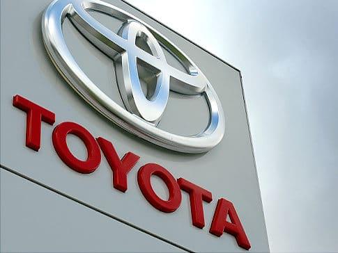 Toyota Wycofuje Wadliwe Samochody z Przełącznikiem Okien