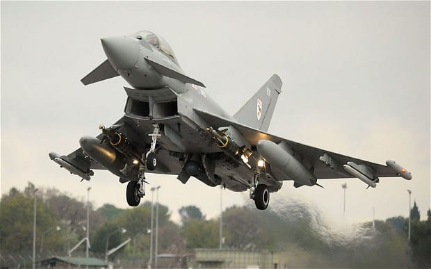 Myśliwiec RAF-u Został Poderwany Wskótek Incydentu w Samolocie Pasażerskim