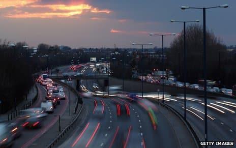 Moja Wyspa UK Jazda Środkowym Pasem Autostrad Co Takiego Jest w Tym Złego?