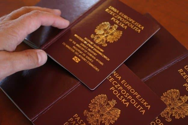 Paszport Tymczasowy w UK Co Zrobić Kiedy Mamy Nieważny Paszport w UK