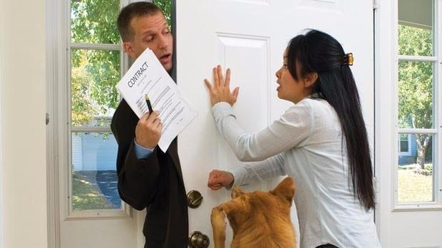 Pożyczki w Domu u Klienta w UK – Horror Story Czy Alternatywa dla Pożyczek Przez Internet?